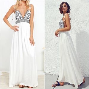 """Lulus """"By The Seaside"""" Maxi Paisley Backless Dress"""